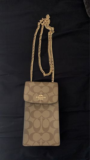 Coach phone crossbody (AUTHENTIC) for Sale in Aurora, CO