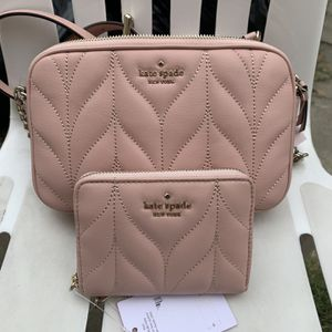 "Kate Spade crossbody and matching wallet NWT Serious inquires only please Approx. 4.5"" H x 7.5"" W 2.5"" D - Approx. 19-22"" strap drop Low offers wil for Sale in Santa Fe Springs, CA"
