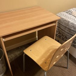 IKEA Desk And Chair for Sale in Bellevue,  WA
