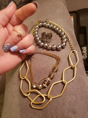 11 piece fashion jewelry lot for Sale in Joint Base Lewis-McChord, WA