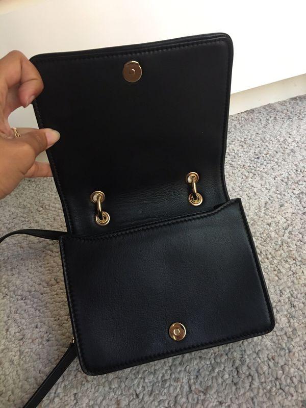 f5295470161 Tory Burch Bryant Mini Bag Crossbody Sling Bag for Sale in Renton ...