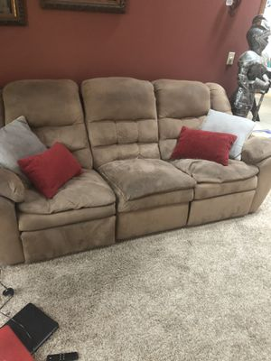 Couch. USED & FREE for Sale in Pataskala, OH