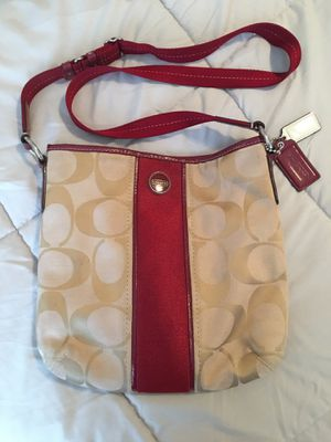 Coach Messenger/ crossbody bag for Sale in Montpelier, MD