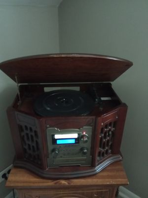 Vinyl, CD, tape, am/fm player for Sale in Chicago, IL