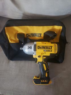 Dewalt XR 1/2 Brushless 3 Speed High Torque Impact Driver  And Contractor Bag for Sale in Huntington Park, CA