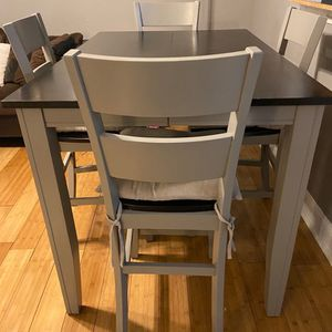 Extendable Dining Room Table for Sale in The Bronx, NY