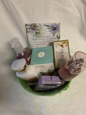 Gift basket Bath & Body Works for Sale in Chevy Chase, MD