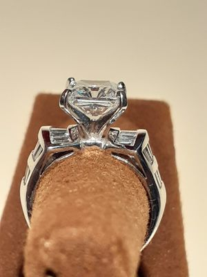$500! Beautiful 14k white gold CZ wedding engagement ring size 6, as new for Sale in Tacoma, WA