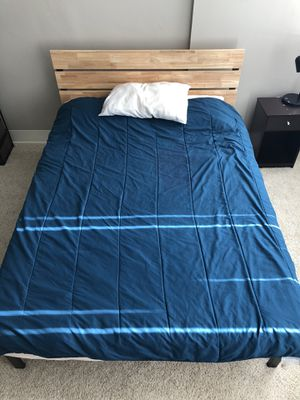 Mattress and bed frame less than 1 year old for Sale in Detroit, MI