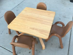 Kids wooden table w/ 4 chairs for Sale in Wildomar, CA