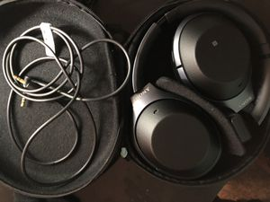 Sony WH-1000XM2 noise canceling headphone for Sale in San Diego, CA