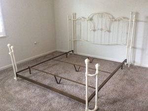 Cal King bed frame for Sale in Stockton, CA