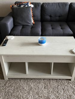 Lift Top Beige/Grey Coffee Table for Sale in San Diego,  CA