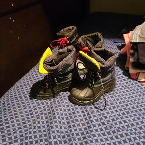 Toddler Snow Boots for Sale in Long Beach, CA