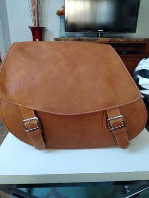 Classic Desert Tan leather Saddle bag Pristine condition for Sale in Stickney, IL
