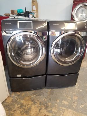 """Samsung 8"""" touch screen large capacity steam washer and steam gas dryer for Sale in Houston, TX"""
