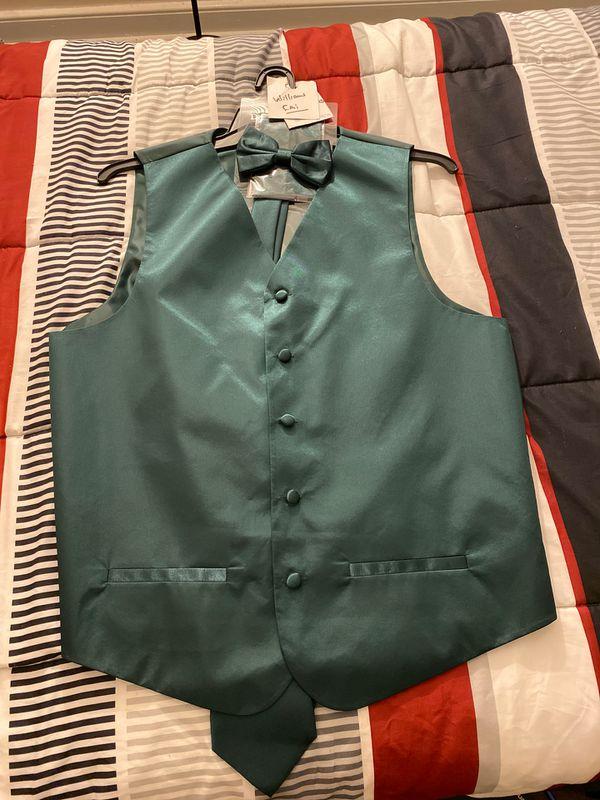 Necktie, bow tie and vest