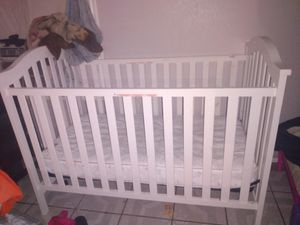 Crib w changing table for Sale in Fort Worth, TX