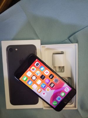 iPhone 7 unlocked for Sale in Lindale, TX