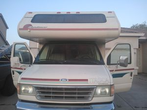 21 Foot Ford Itasca E350 - Runs Like a Swiss Watch!-$8800(French Camp) for Sale in Stockton, CA