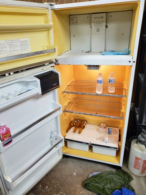 Refrigerator for Sale in Indianapolis, IN