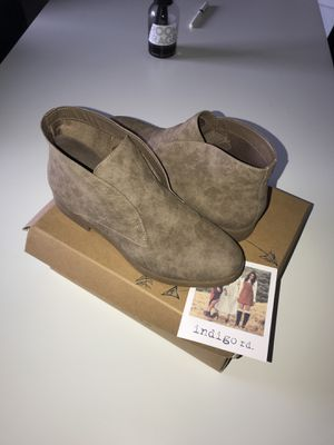 Light brown Annaa bootie from Indigo Rd. Size 7 Women for Sale in Miami, FL