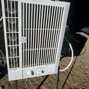 GE Window AC Unit for Sale in Aurora, CO