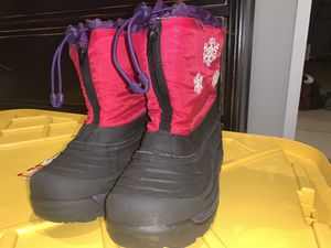 Kids size 1 snow boots for Sale in Downey, CA
