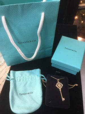 Tiffany Knot Key Pendant 18k Rose Gold Diamond for Sale in Spokane, WA
