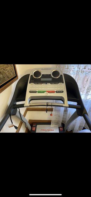 Pro Form 8.0 ZT treadmill for Sale in Oakland, CA
