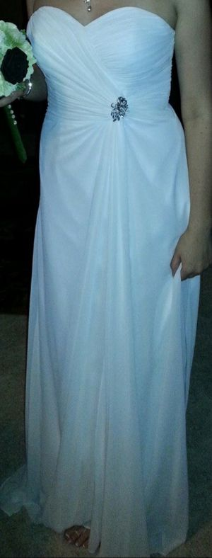 Size 12 or 14(?) wedding dress (fit is a sz 10!) for Sale in Kennewick, WA