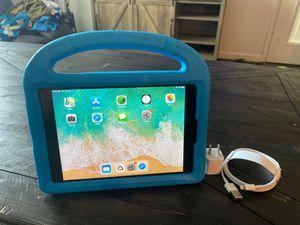 iPad mini 2 w/cellular for Sale in Mesa, AZ
