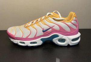 Nike Airmax White Premium Tropical Twist for Sale in McDonough, GA