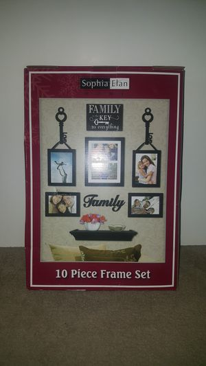 Family picture frame set $8 for Sale in High Point, NC
