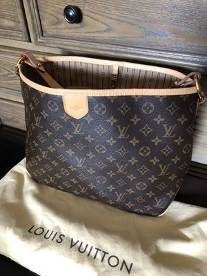 Authentic Louis Vuitton delightful pm for Sale in Bellflower, CA