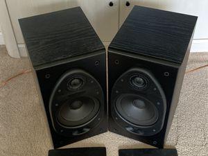 Polk audio RT35 bookshelf speakers for Sale in Tampa, FL