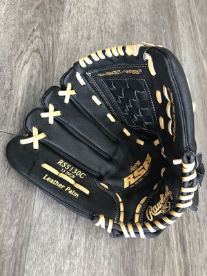 Brand new leftie baseball glove mitt for Sale in Tampa, FL
