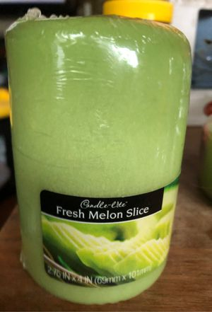 New Candlelite fresh melon slice candle for Sale in Puyallup, WA