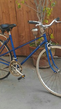 Womans 12-Speed Road Bike for Sale in Compton,  CA