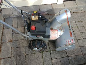 """Heavy Duty Craftsman Self Propelled 5 hp 22"""" Snowblower 3 Speed - snow blower snow thrower 5/22 for Sale in Schaumburg, IL"""
