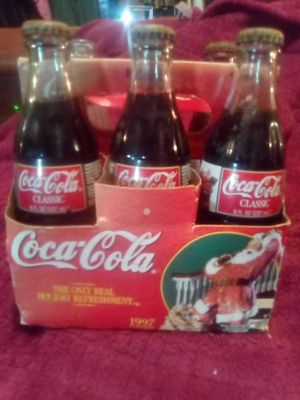 1997 6 pack Vintage Coca Cola Christmas Edition Collectibles for Sale in Jackson, MS