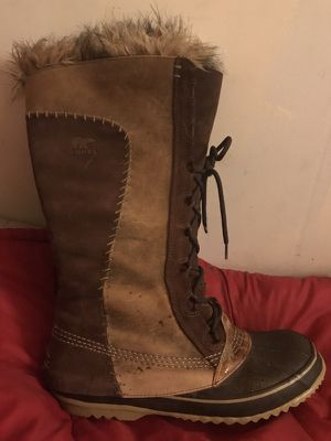 Sorel boots. Sz 11 Exquisite boots that are quite exceptional with snow and they're water proof.they are scarcely used and are quite elegant. for Sale in Leavenworth, WA