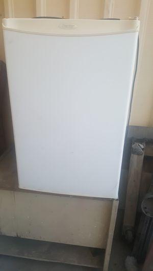 Mini fridge for Sale in Ontario, CA