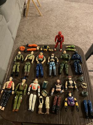 GI Joe Action figures detached and misc limbs with 1 action figure assembled. for Sale in Buckley, WA