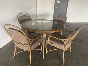 Stunning beautiful antique dining set round table and 4 casters chairs for Sale in HALNDLE BCH, FL