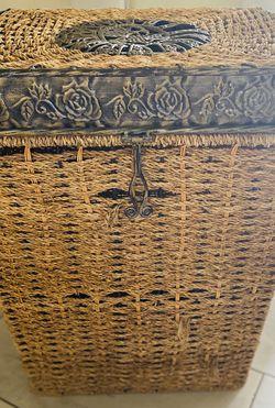 Large Laundry Hamper Basket for Sale in Gonzales,  CA