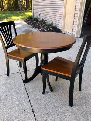 "Brand new 36"" round kitchen table/2 chairs for Sale in Aurora, OH"