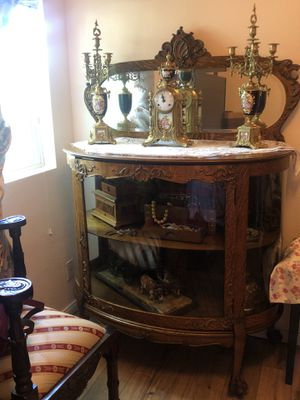 Antique cabinet/ display case/ vanity/ Tiger oak wood/with key for Sale in Jurupa Valley, CA