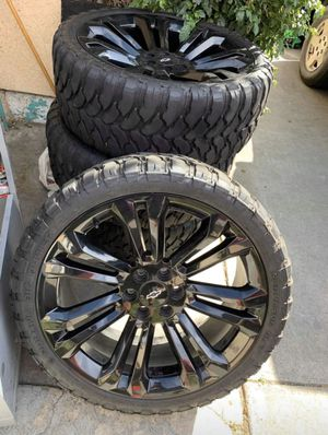 24s Denali rims on 33s 80% tires 6 lugs for Sale in South Gate, CA