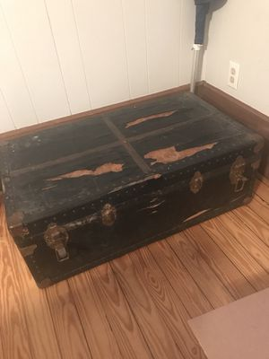 Vintage black trunk for Sale in Columbia, SC